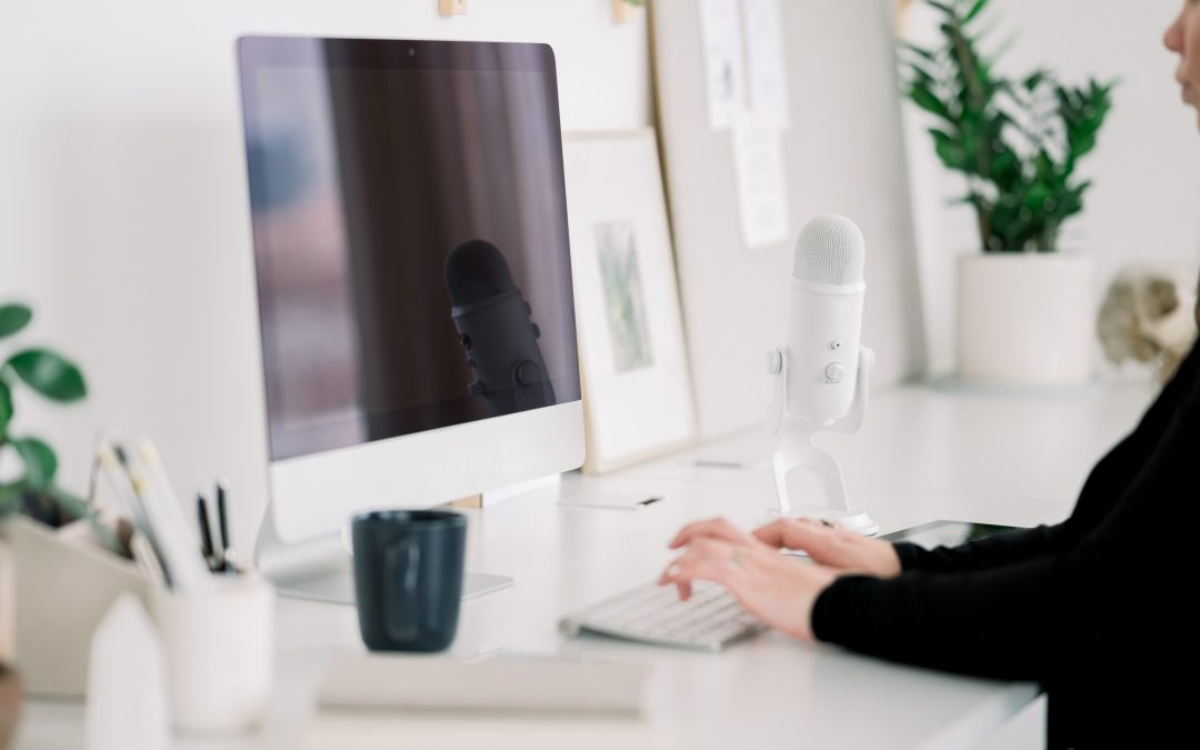 3 Ways To Feel Better When You're stuck At A Computer All Day Long